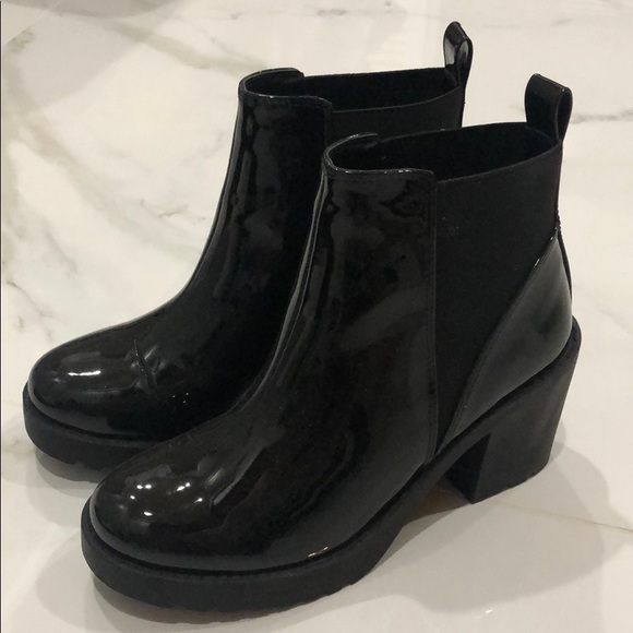 H&M Black Shiny Leather Heeled Chelsea Boots Size6